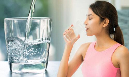Đó giờ cứ tưởng uống nước ấm tốt hơn nước lạnh!