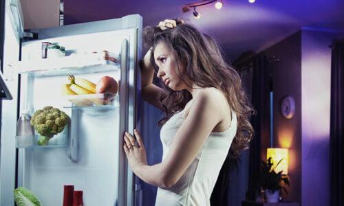 10 loại thực phẩm tuyệt đối không được ăn trước khi ngủ