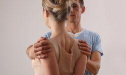 Cách chữa gù lưng hiệu quả và các bài tập cho lưng thẳng