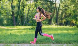 Chạy bộ buổi sáng có giảm mỡ bụng như lời đồn không?